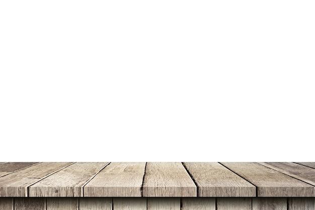 分離した白い背景の上の空の木製テーブルと製品のコピースペースとモンタージュを表示します。