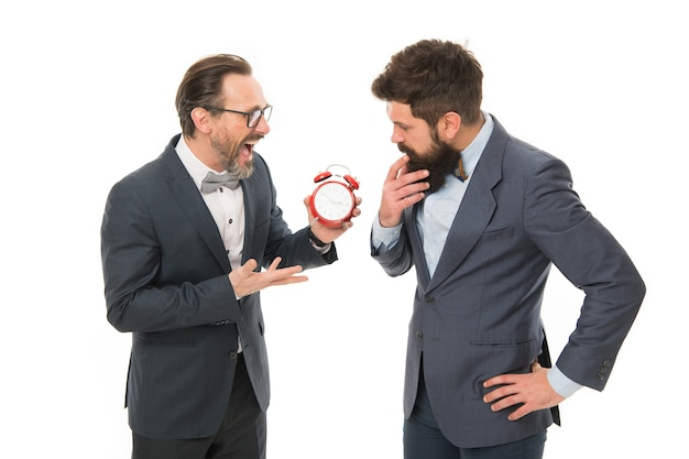 Поощряйте дисциплину. деловые люди в официальной одежде по-разному думают о времени. тайм-менеджмент и дисциплина. повысьте пунктуальность. человек, имеющий опыт работы с часами, заботится об эффективности времени.