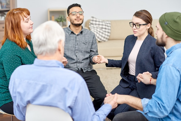 Encouraging members of support group