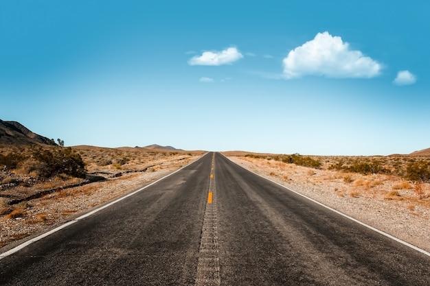 끝없는 확장. 데스 밸리 국립 공원, 네바다 미국 도로
