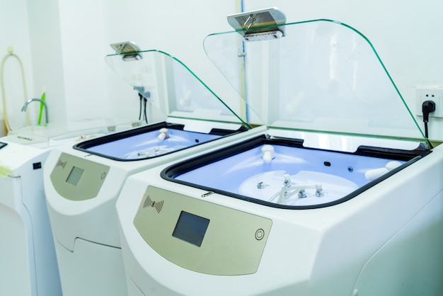 Endoscope cleaning equipment