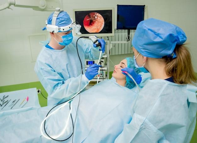 内視鏡下副鼻腔手術。鼻甲介のレーザー気化
