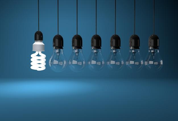 백열 전구가 전선에 매달려있는 에너지 절약 전구 조명 실