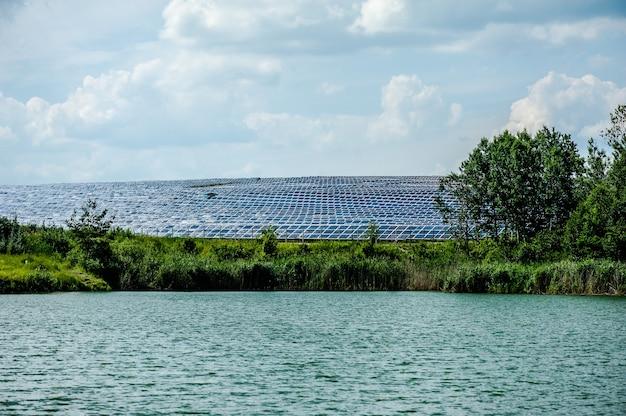 Энергетическая солнечная панель на станции