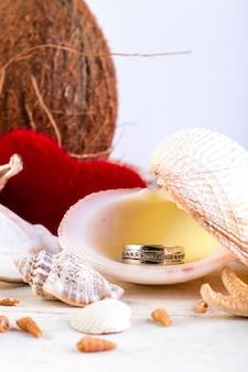 婚約指輪の貝殻