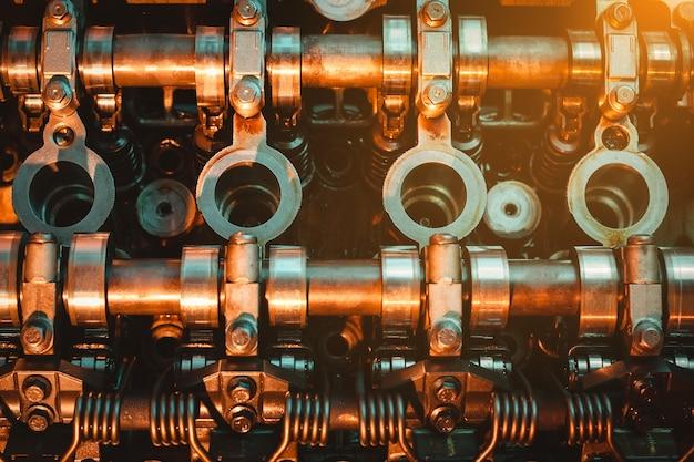 엔진 캠축. 밸브.