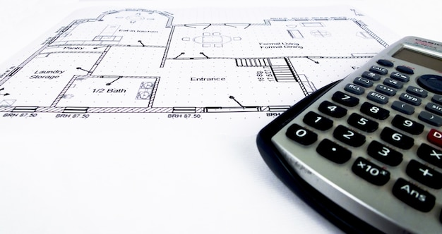 엔지니어링 툴 및 공학용 계산기를 사용한 엔지니어링 설계 계획-엔지니어링 테마 사진 모음