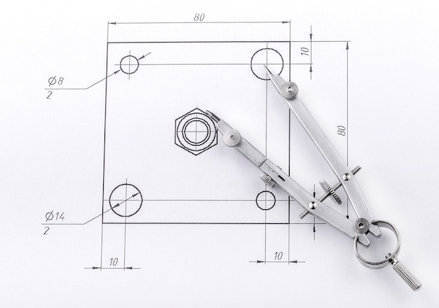 Инженерный чертеж и металлические разделители