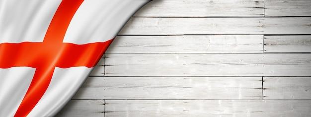 오래 된 흰 벽에 영국 국기입니다. 수평 파노라마 배너.