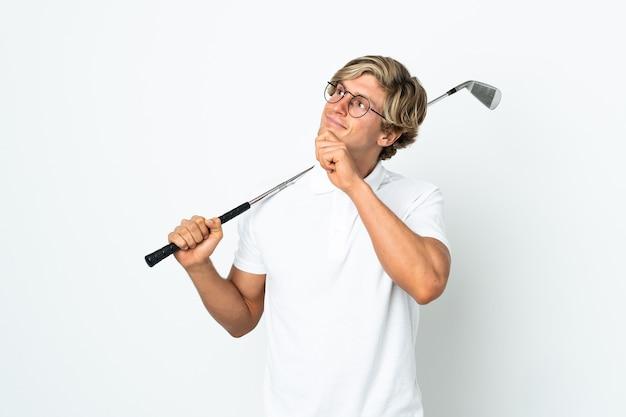 영국 남자 골프를 치고 올려