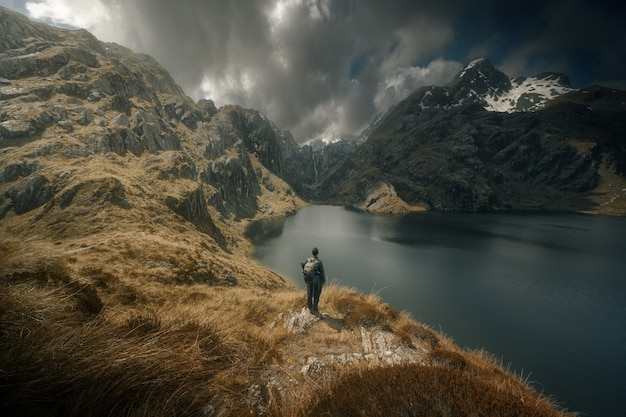 レイクハリスルートバーントラックニュージーランドを楽しむ