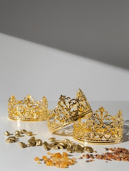Epiphany day gold crowns with raisins and stones