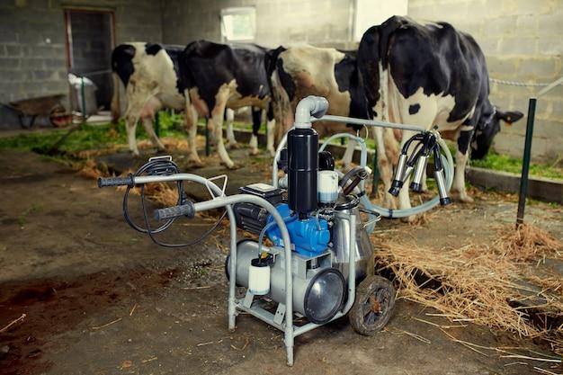 Оборудование для производства молока, молочных ферм и животноводства