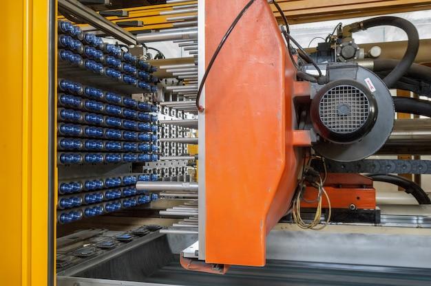 Оборудование для производства преформ для пластиковых бутылок пресс-машина