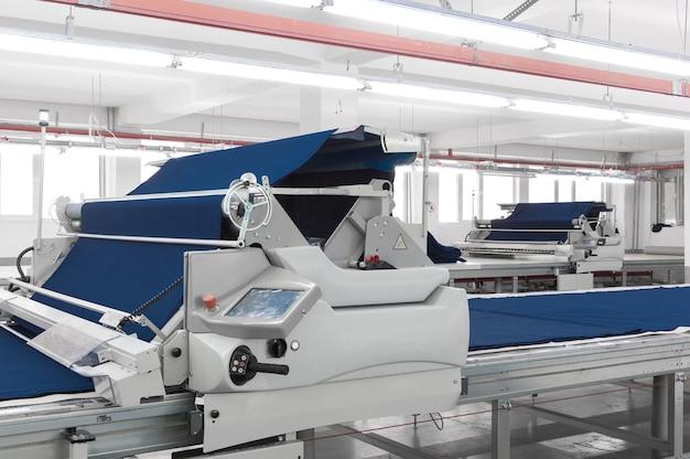 Оборудование для подготовки ткани на швейной фабрике