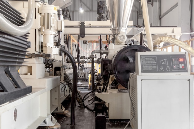 包装用の耐久性のあるポリエチレンとポリプロピレンの製造と製造のための機器