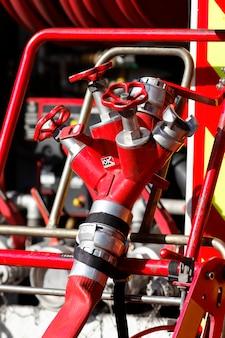 現場の消防車の設備
