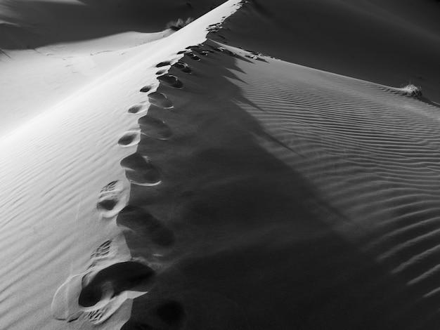 モロッコのサハラ砂漠のエルグ・チェガガ砂丘