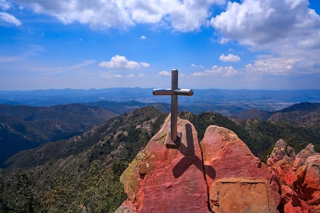 Espadan sierra peak tip cross in castellon
