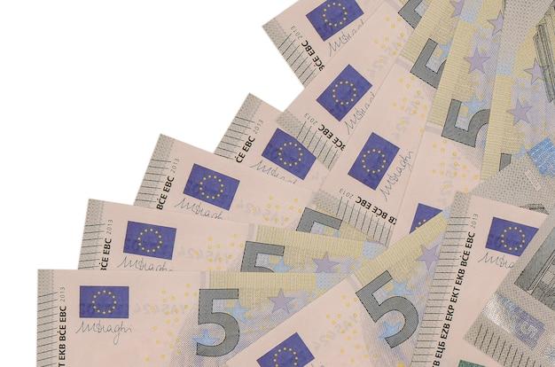 ユーロ紙幣は白で隔離された異なる順序にあります