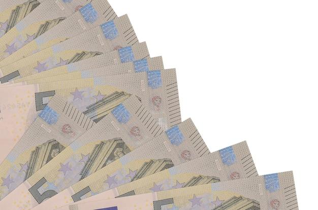 白い背景の上のユーロ紙幣