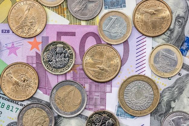 ユーロ硬貨と紙幣