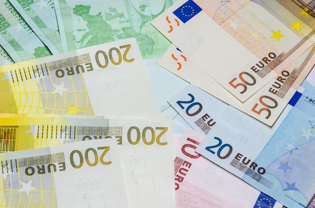 The euro is put together. there are 50 and 200 banks.