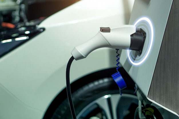 Технология ev plug plug charger для электромобиля.