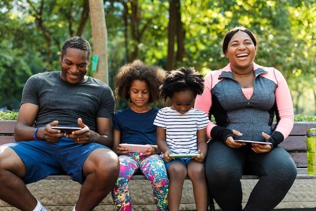 エクササイズ活動家族屋外活力健康
