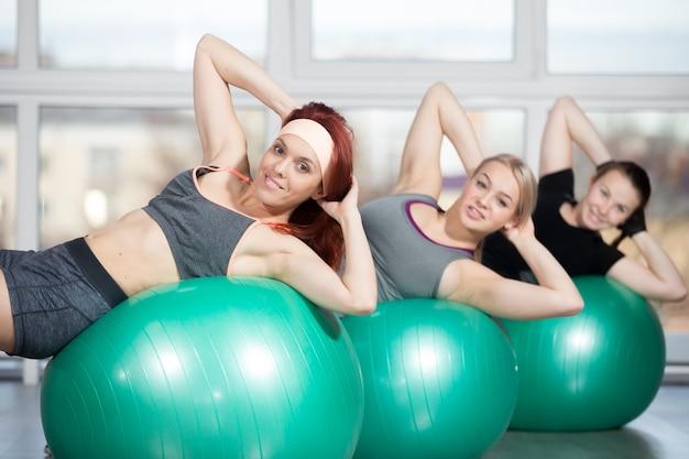 Exercises for thin waist on balls
