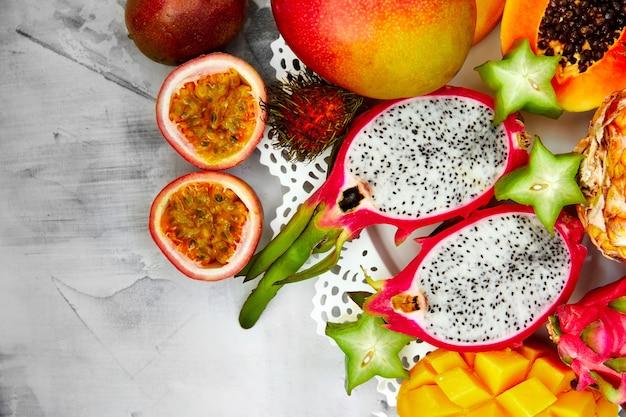 エキゾチックなフルーツの背景、あらゆる目的に最適なデザイン。エキゾチックな食べ物。