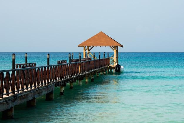 Экзотический рай. понятие о путешествиях, туризме и отдыхе. тропический курорт на карибах.