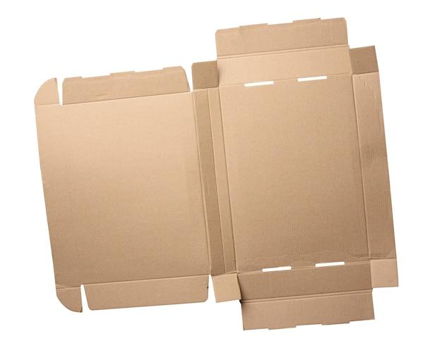 Расширенный шаблон коричневой прямоугольной коробки из гофрированного картона, коробка с крышкой, изолированная на белом