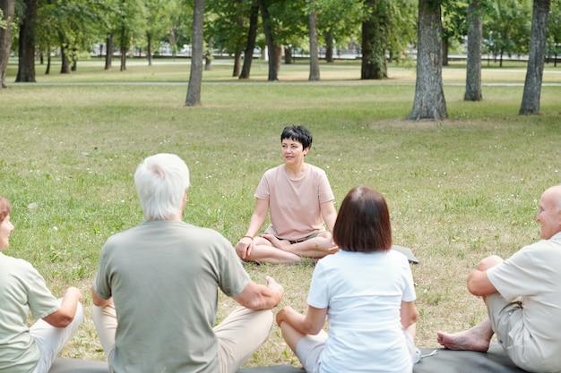 Explaining basics of yoga