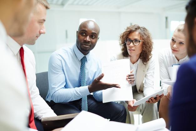 Explaining financial data