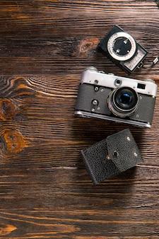 노출계 및 레트로 카메라