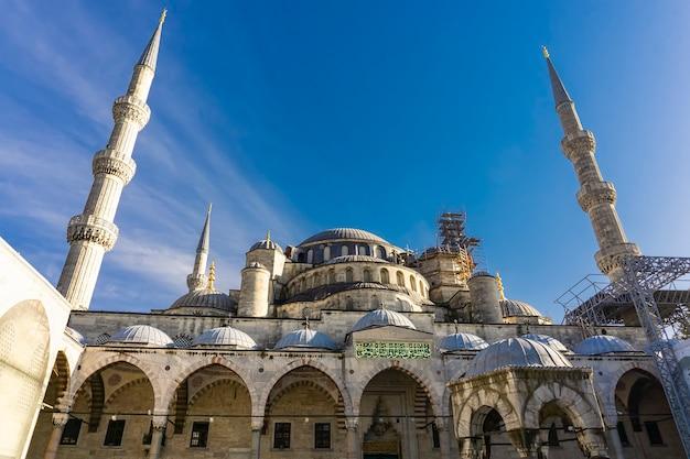 Внешний вид детали в мечети султана ахмеда (голубая мечеть) в стамбуле, турция