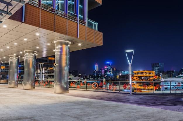 現代建築の外観