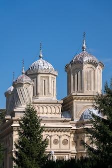 Curtea de argeswallachiaルーマニアの大聖堂の外観