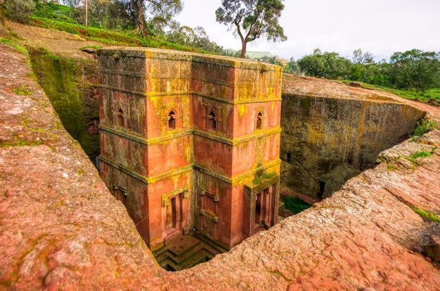 Внешний вид церквей лалибела в эфиопии