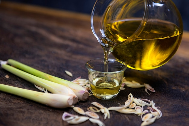 Extracted from lemongrass has many properties for the treatment