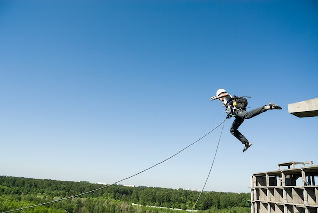 Extreme sports ropejumping