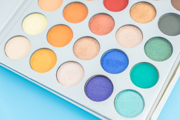 Eye shadow palette for cosmetic