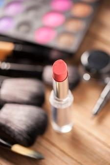 Набор теней для век с профессиональным макияжем