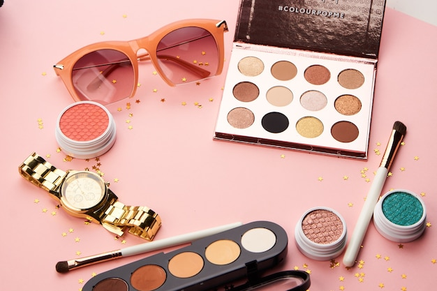 Eyeshadow and accessories collection