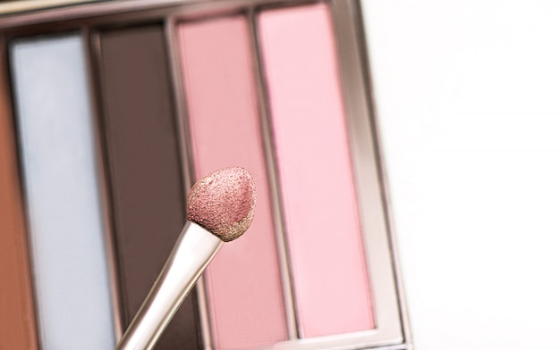 Eyeshadow on applicator, close up swatch.