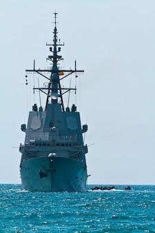 フリゲート艦f-101アルバロデバザンボート