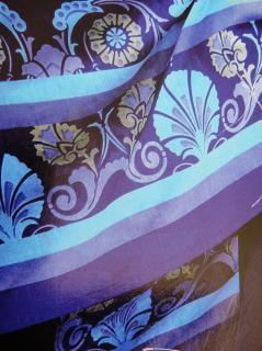 ファブリックフルカラーのデザインは、modren青