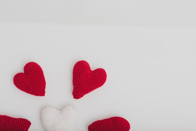 Ткань сердца на белом фоне