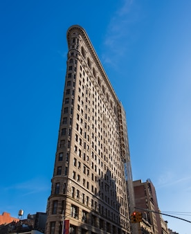 Facade of the flatiron building in new york
